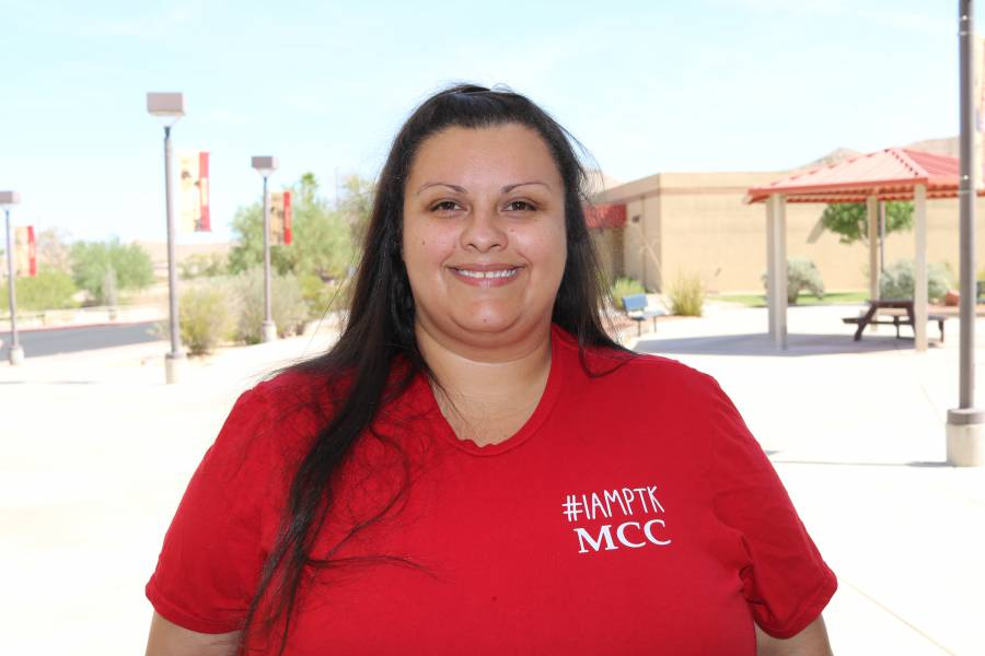 picture of mcc student christina henslee who was awarded the coca cola leaders of promise award